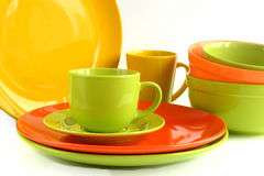 Vaisselle en céramique colorée d'isolement sur le fond blanc Photo libre de droits