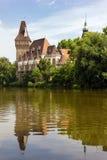 Vajdahunyad城堡在布达佩斯,匈牙利城市公园  图库摄影