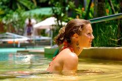 Vakantie bij de pool Stock Fotografie