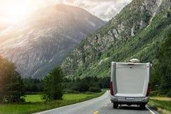 Vakantie in Kampeerautobestelwagen Stock Foto's