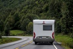 Vakantie in Kampeerautobestelwagen Stock Afbeelding
