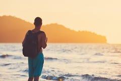 Vakantie op het tropische strand stock afbeeldingen