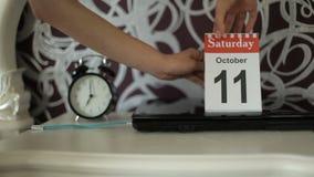 Vakantie, verandering van kalenderaantallen, 11 Oktober, Zaterdag stock footage