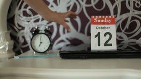 Vakantie, verandering van kalenderaantallen, 12 Oktober, Zondag stock video