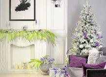 Vakantie verfraaide ruimte met Kerstboom stock afbeeldingen