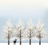Vakantieachtergrond met sneeuwbomen en rendier Stock Fotografie