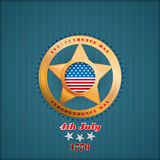 Vakantiemalplaatje met gouden ster en nationale vlagkleuren voor four Juli, Amerikaanse Onafhankelijkheidsdag Stock Afbeelding