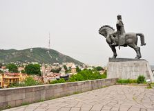 Vakhtang Gorgasali monument i Tbilisi, Georgia arkivbilder