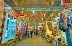 Vakil义卖市场,设拉子,伊朗的纺织品部门 免版税库存照片