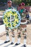 Vakt av heder med kransen Royaltyfri Foto