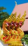 Vakt för orm för Phaya Nagadrake i templet Wat i Thailand Fotografering för Bildbyråer