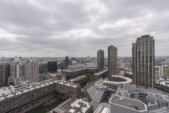 Vakttorn och stad Royaltyfria Bilder