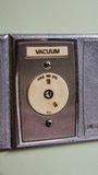 Vakuumet är i rum av sjukhuset Arkivbilder