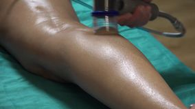 Vakuumkörper Massager AntiCellulite-Behandlungsgerät stock video footage