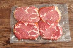 Vakuumpackat kött Arkivfoton