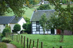 Vakwerkhuis em Limburgo foto de stock royalty free
