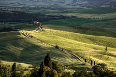 VAL Δ ` ORCIA, TUSCANY/ITALY - 17 ΜΑΐΟΥ: Val δ ` Orcia στην Τοσκάνη επάνω Στοκ Εικόνα