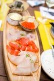 Val av havsfisken i restaurangen Fotografering för Bildbyråer