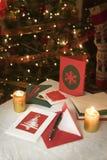 Val av hem- gjorda julkort Arkivbilder