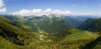Val Brembana, Passo圣Marco的方向 免版税库存图片