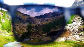 Val d'Ayas低谷太阳镜 库存照片