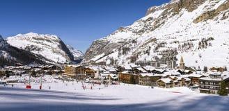 Val d'Isère stad stock afbeelding
