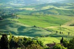 VAL D'ORCIA, TUSCANY/ITALY - 16. MAI: Landschaft von Val-d'Orcia Lizenzfreie Stockbilder