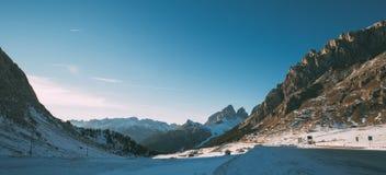 Val di Fassa Dolomites landskap, sikt från Passo Pordoi Royaltyfri Foto