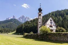 Val di Funes e le dolomia, Italia Fotografie Stock