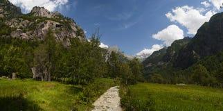 Val di Mello, Val Masino, la Valteline, Sondrio, Italie, l'Europe Photo stock