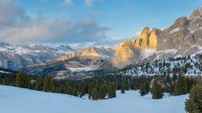 Val Gardena, красивая предыдущая зима и ландшафт весны высокогорный Стоковые Изображения