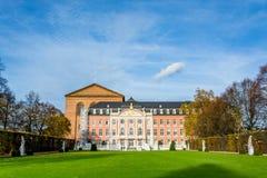 Val- slott i Trier i hösten, Tyskland Royaltyfria Bilder