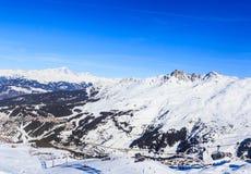Val Thorens ośrodek narciarski w ALps Wioska Menuires zdjęcia stock