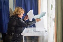 Val till den statliga Dumaen från den ryska federationen 18 September 2016 i den Kaluga regionen Arkivfoto