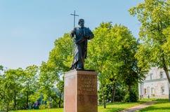 Valaam-Insel, Russland - 07 17 2018: ein Monument zu heiligen Apostel-Andrew-Erst-genannt nahe dem Valaam-Kloster Karelien, lizenzfreies stockbild