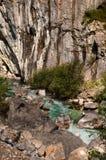 Valbona-Fluss in Albanien lizenzfreie stockbilder