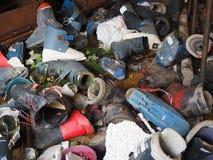 Valcanale,贝加莫,意大利 被放弃的滑雪服务和租务运动器材 库存照片