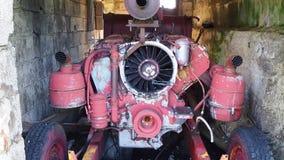 Valcanale, Bergamo, Italien Verlassenes Skiort im Jahre 1998 Alter Generator stock video footage