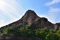 Valcano с голубым небом стоковые фотографии rf