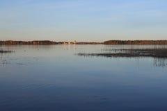 Valdayskoe jezioro z Valday Iversky monasterem Zdjęcia Royalty Free