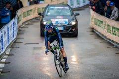 Valdobbiadene Italien Maj 23, 2015; Yrkesmässig cyklist under en etapp av turnera av Italien 2015 Royaltyfri Bild