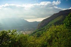Vale atmosférico da montanha fotografia de stock