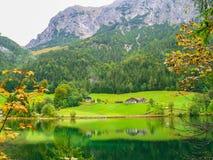 Vale com lago Imagem de Stock Royalty Free