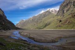 Vale da montanha após o mudflow Parque nacional de Huascaran, Cordill Fotografia de Stock Royalty Free