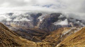 Vale da montanha e o Cuesta del Obispo Imagem de Stock