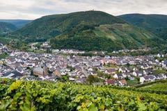VALE DE AHR, ALEMANHA - 3 DE OUTUBRO DE 2015: Vista sobre o vale de Ahr em Alemanha Foto de Stock