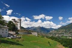 Vale de Aosta com castelo, Italy Foto de Stock Royalty Free