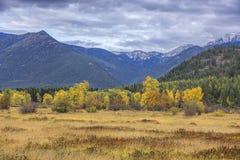 Vale de Montana no outono foto de stock royalty free