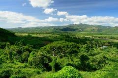 Vale de Valle de los Ingenios perto da cidade de Trinidad em Cuba imagem de stock
