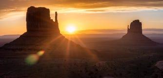 Vale do monumento Parque tribal do Navajo, EUA imagens de stock